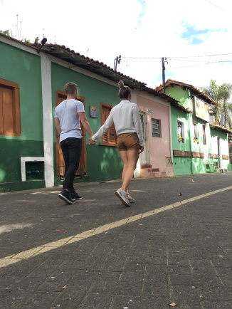 BR - EAIVAMOSNOS - Rua do Porto